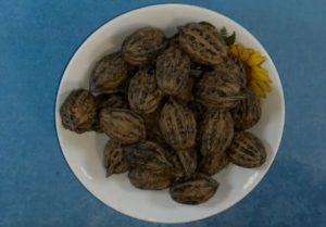 Маньчжурский орех в тарелке