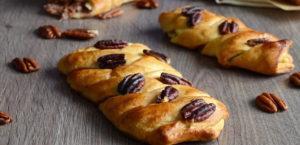 Вкусные слойки с орехом