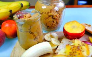 Арахисовая паста, бананы, персики на столе