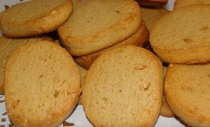 Печенье на салфетке