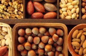 смесь орехов